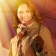 Sannan Huuma-vinkki: Antaudu virran vietäväksi ja katso, minne päädyt. Suhtaudu kaikkeen lapsellisen optimistisesti ja anna aurinkosi paistaa!
